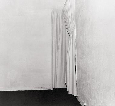 "1. Yves Klein, ""Le vide"", 1958"